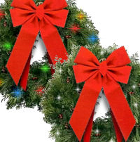 Twinkling Christmas Wreaths